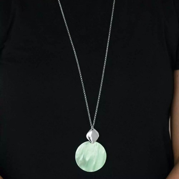 Tidal Tease Green Shell Like Necklace ~ NEW 2021